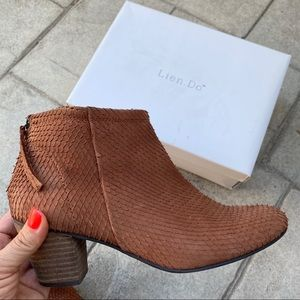 Anthropologie lien.do cognac exotic ankle boots 9